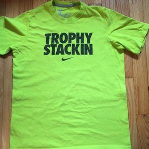 Nike boys Size L Large T-shirt